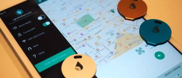 Tablet com o app TrackR