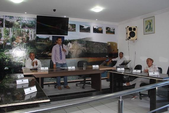 Resultado de imagem para  Vereador de Itapebi Leonardo Ribeiro dos Santos