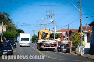 Caminhões na 24 de Outubro - tráfego não será mais tolerado