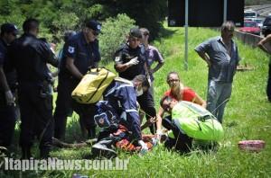 Vítimas receberam primeiros socorros de agentes da Intervias e do Samu
