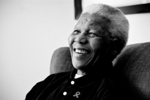 Ex-presidente africano, Mandela morre aos 95 anos