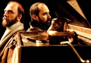 Muito parecidos, André Capuano e Ernani Sanchez e atuam juntos no drama (Cacá Bernardes)
