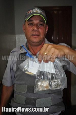 Cabo Galvão apresentou as drogas na Delegacia