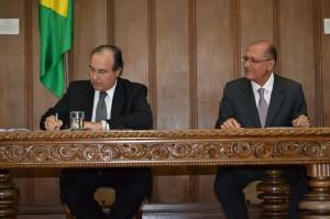 Grella e Alckmin assinaram a resolução e autorização para o início do programa de recompensa (Rodrigo Paneghine)
