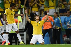 David Luiz comemora gol na partida contra contra a Colômbia (Jefferson Bernardes/VIPCOMM)