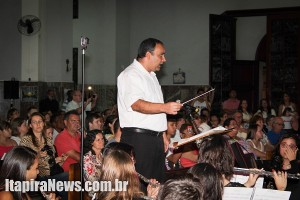 Lupinacci comanda apresentações (Léo Santos)