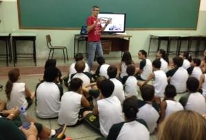 Martelli falou a estudantes e profissionais de escola privada (Divulgação)