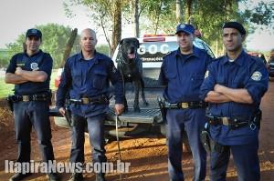 Raja com os guardas de Mogi Mirim: sucesso nas buscas