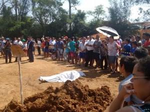 Laércio Betarelli foi alvejado com diversos disparos e morreu no local (Edijan Del Santo/Reprodução/EPTV)