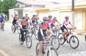 Ciclistas pedalaram em solidariedade (Divulgação)