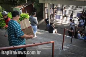 Professores do Antônio Caio retiraram documentos da unidade, como provas do Saresp