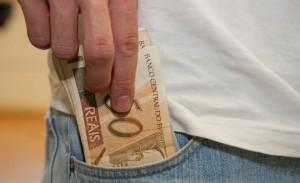 Salário mínimo ganhou novo reajuste (Marcos Santos/USP Imagens)