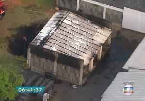 Incêndio atingiu área de cinemateca na madrugada desta quarta (Reprodução/TV Globo)