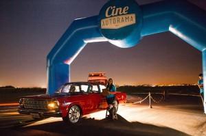 Drive-in: proposta resgata exibições abertas em que os espectadores assistem filmes de dentro do carro (Rafael Bernardo/Divulgação)