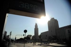 O dia do início da estação é chamado de solstício de verão, que é quando o máximo de radiação solar chega à região (Fernando Frazão/Agência Brasil)