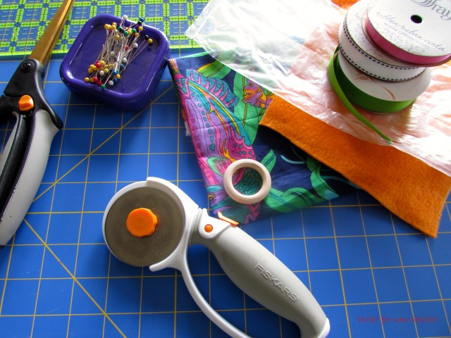 How to Make a Simple DIY Crinkle Taggie Toy
