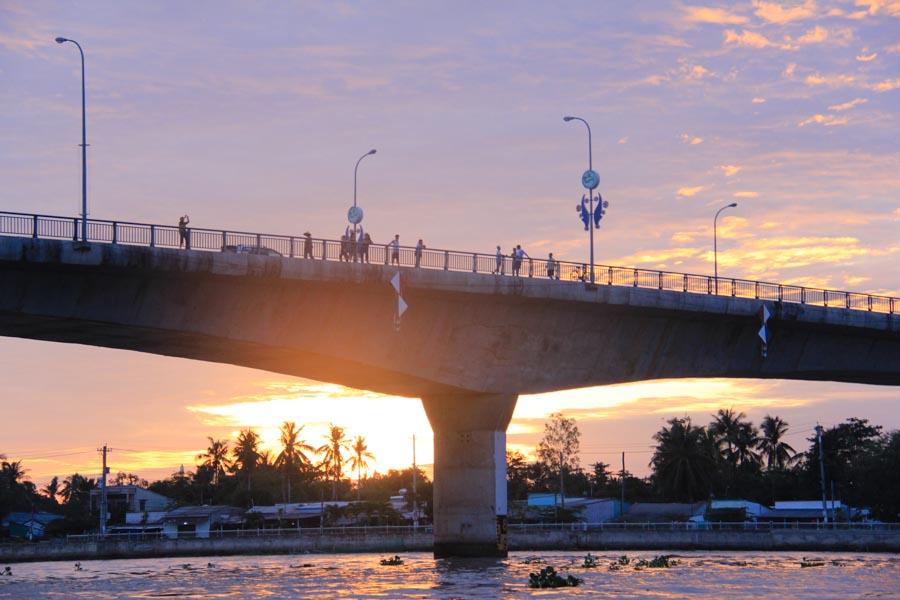 Quang Trung Bridge sunrise