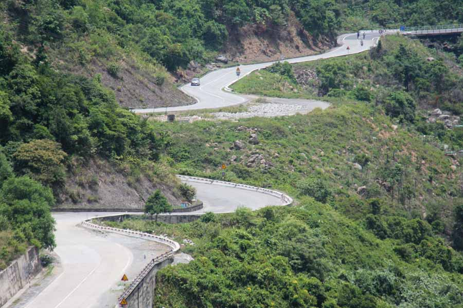 Hia Van Pass road