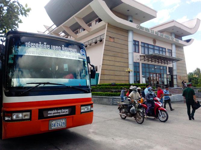 Mekong Express bus at the Cambodia- Vietnam border crossing.