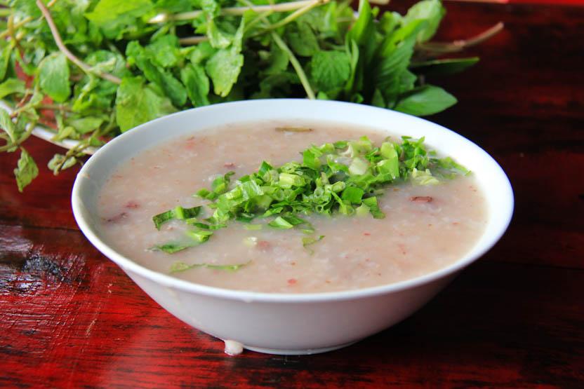 Soups in Vietnam that aren't pho - chao