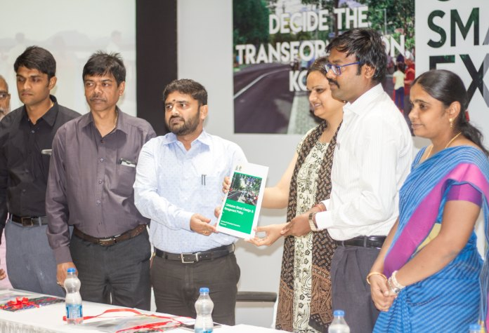 Left to Right – Mr. Sandeep Nanduri IAS, Commissioner of Madurai City Municipal Corporation, Mr. T.K.Majumdar, Director, Internal Finance, Ministry of Urban Development, Mr. Prakash Govindasami IAS, Commissioner of Municipal Administration, Ms. Shreya Gadepalli, Director- South Asia, ITDP, Dr. K.VIjayakarthikeyan IAS, Commissioner of Coimbatore City Municipal Corporation, Ms. P.Gandhimathi, Deputy Commissioner, Coimbatore City Municipal Corporation