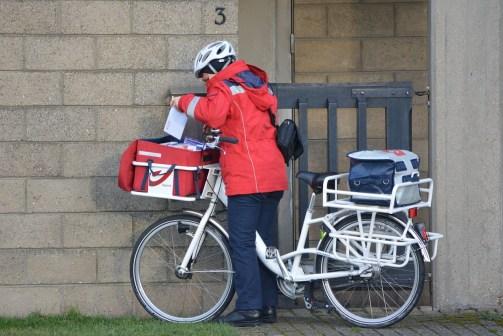 postman-253966_1280