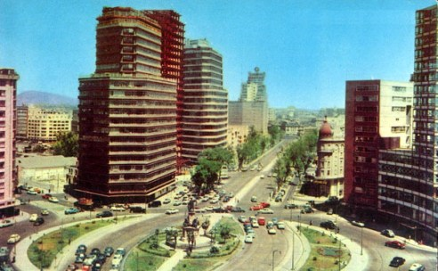 Paseo de la Reforma, originally designed in the 1860s was modeled after boulevards in Paris and grew to be an expressway for many cars.
