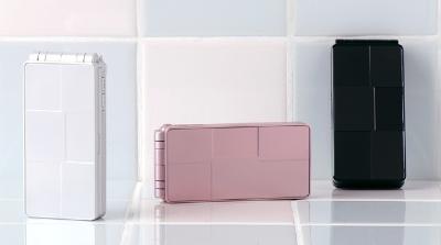 NTTDoCoMo Fujitsu F703i Waterproof phone