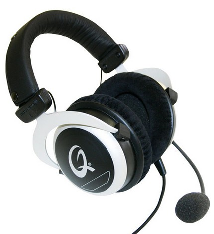 QPAD Professional Gaming Headset