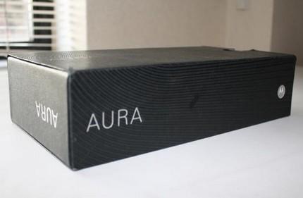 motorola-aura-unboxing.jpg