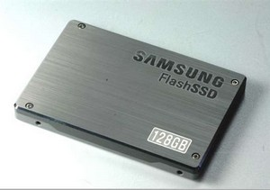 "Samsung SS805 100GB ""Green"" SSD for Enterprise"