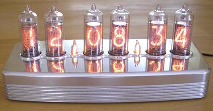in14-milled-solid-aluminum-clock.jpg