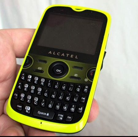 alcatel-ot-800-qwerty-smartphone1.jpg