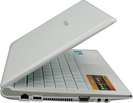 samsung-nc20-via-nano-powered-netbook-3.jpg
