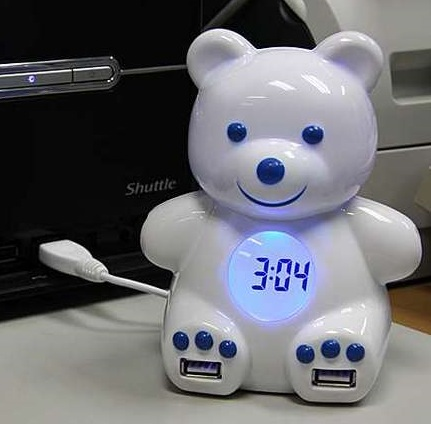 Teddy Bear 4-Port USB Hub doubles as an Alarm Clock