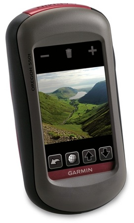 garmin-oregon-550-and-550t-gps-navigators-with-32mpix-camera