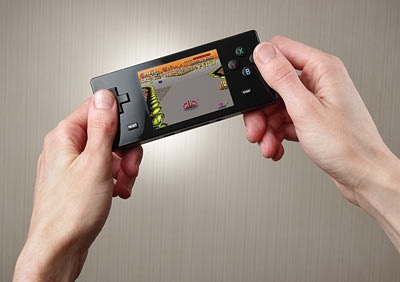 pocket-retro-game-emulator-looks-like-the-gameboy-micro-1