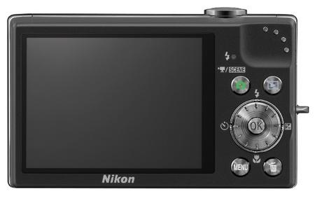 Nikon CoolPix S640 IS Digital Camera back