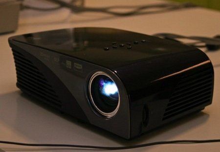 LG HS200 Portable Projector does DivX playback