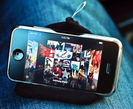 MovieWedge iPod iPhone Stand iphone