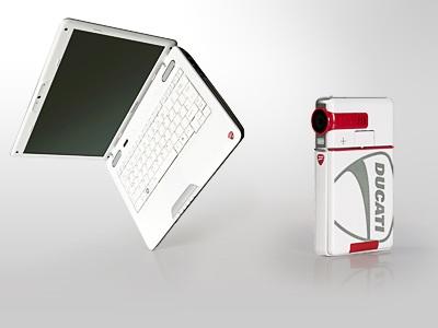 Toshiba Satellite U500 and Camileo S10 Ducati Edition