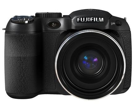 FujiFilm FinePix S1800 18x Zoom Camera