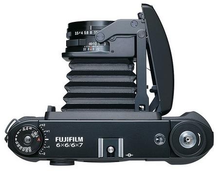 FujiFilm GF670 Professional medium format folding camera top