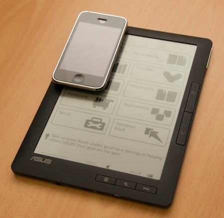 Asus DR-900 e-Book Reader with iphone
