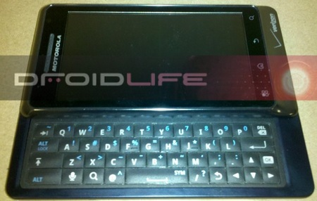 Motorola Droid 2 A995 get pictured
