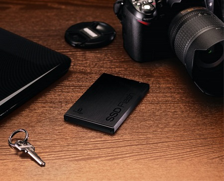 Iomega External USB 3.0 SSD Flash Drive 1