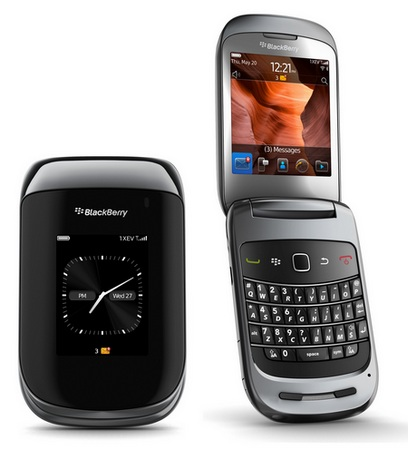Sprint BlackBerry Style 9670 Clamshell Smartphone black