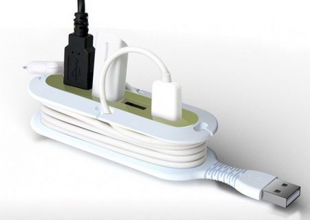 Quirky Contort USB Hub with built-in Cord Manager and Flexible Neck in use 1
