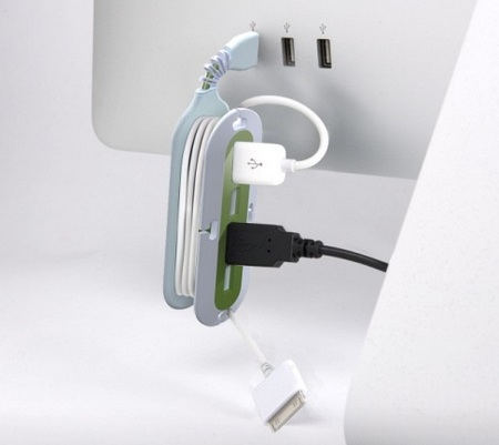 Quirky Contort USB Hub with built-in Cord Manager and Flexible Neck in use