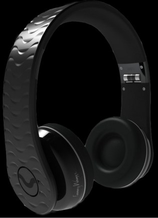 Fanny Wang releases On Ear Headphones black